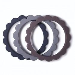 Mushie 3 gryzaki bransoletki FLOWER Dove Gray Steel Stone